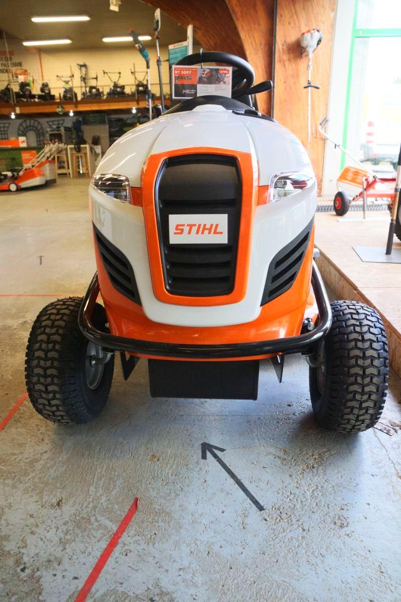 Tracteurs de pelouse Stihl & Husqvarna dans le Nord-Finistère