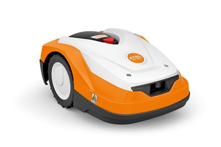 Focus sur le robot de tonte RMI 522 C de Stihl disponible dans nos magasins du Nord-Finistère