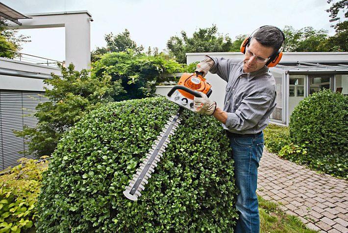 Le taille-haie thermique le plus vendu en France : le HS 45 de chez Stihl